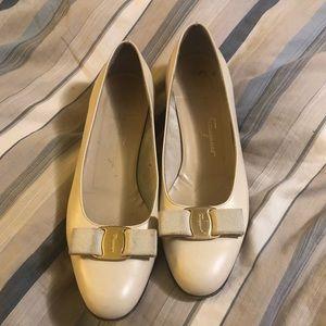 Salvatore Ferragamo kitten heels size 8.5